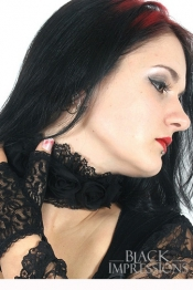 Bewitched Roses Halsband - in Schwarz & Lila