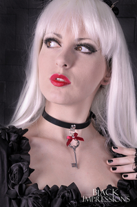 Key To My Heart -  Latex-Halsband mit roter Schleife +...