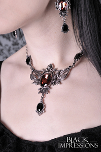 Wild Roses Gothic-Collier