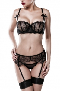 Bra Lace Set with Garter by Grey Velvet